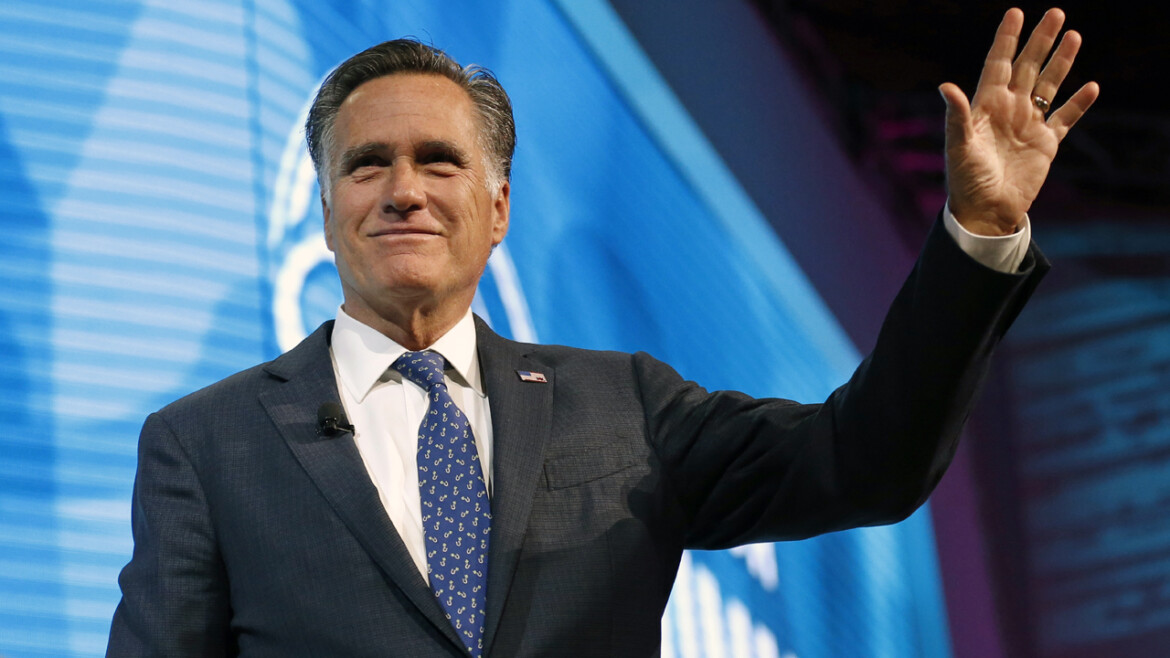 Romney booed while on stage at Utah GOP convention