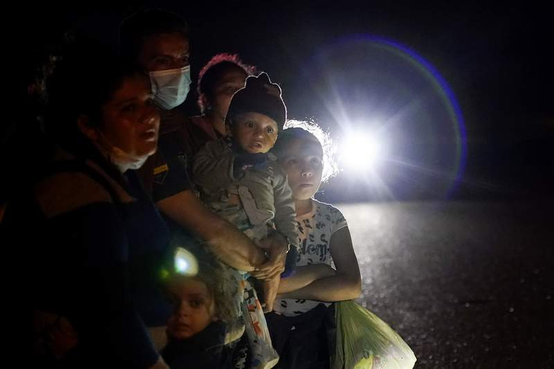 US to expedite immigration cases of families on border