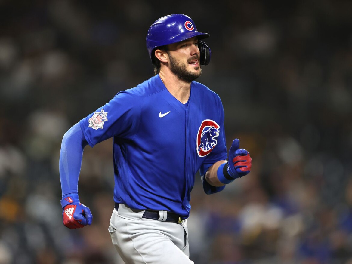 Kris Bryant's X-rays negative after being drilled in right hand vs. Mets