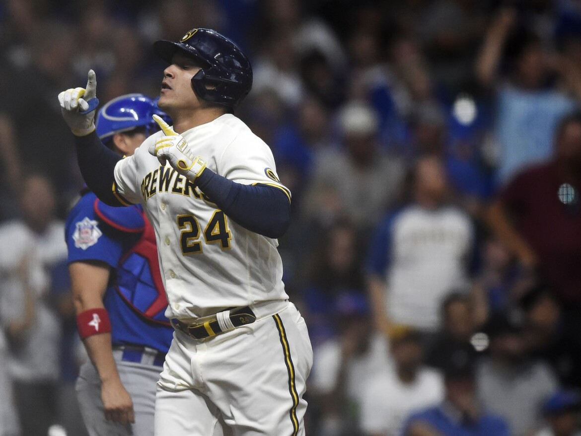 Cubs' offense perks up, but Brewers make it a laugher with 10-run eighth in 14-4 win
