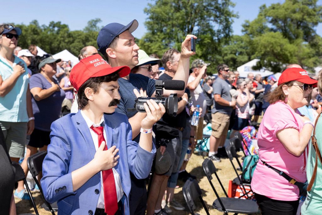 Diamond and Sulk: A Weekend with Mike Lindell and the MAGA Zombies