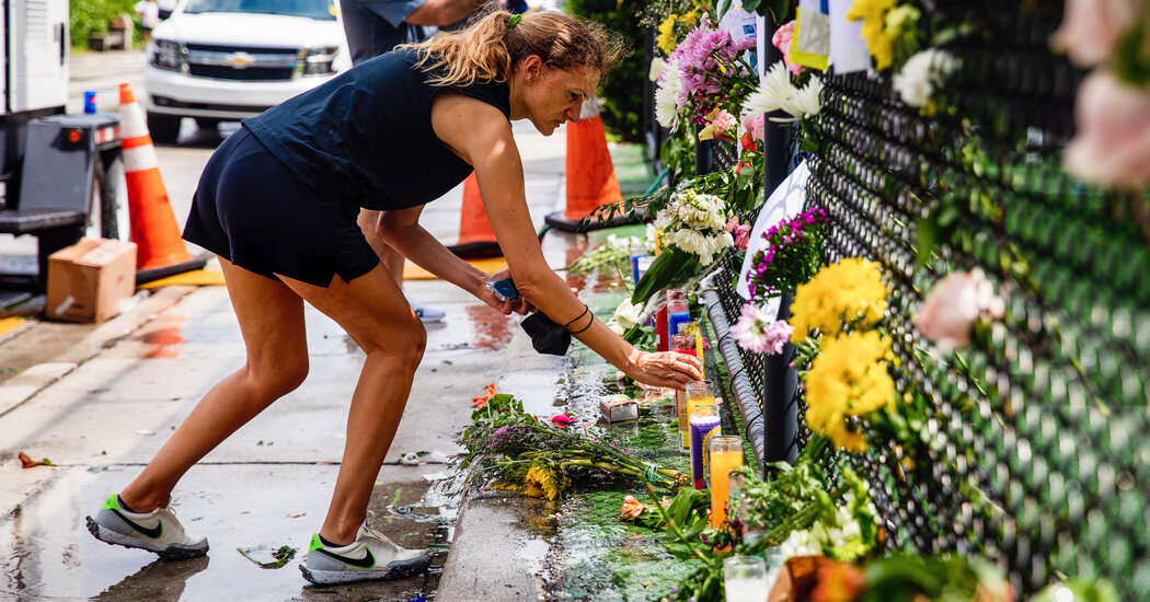 Hope for Survivors Is Quickly Fading at Collapsed Florida Condo