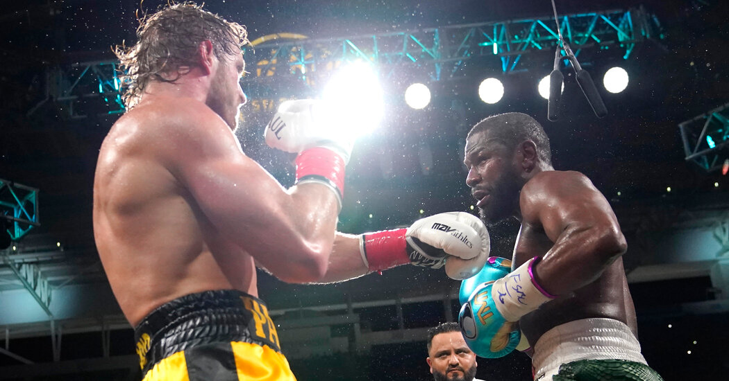 Mayweather-Paul Exhibition Fight Ends Without a Knockout