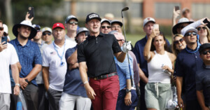 Mackenzie Hughes, Louis Oosthuizen, Russell Henley tied for lead at U.S. Open