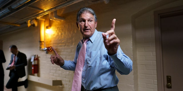 Manchin strikes deal with Schumer to vote 'yes' on advancing voting reform bill