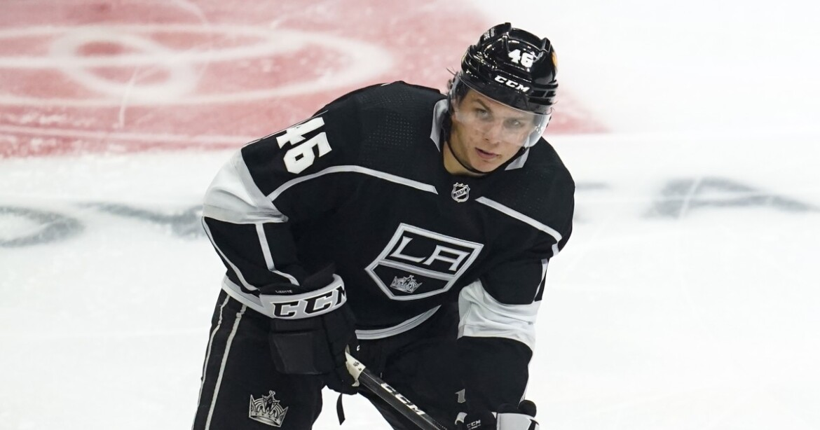 Kings re-sign center Blake Lizotte to one-year deal