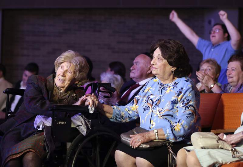 NY Holocaust survivors celebrated at concert after isolation