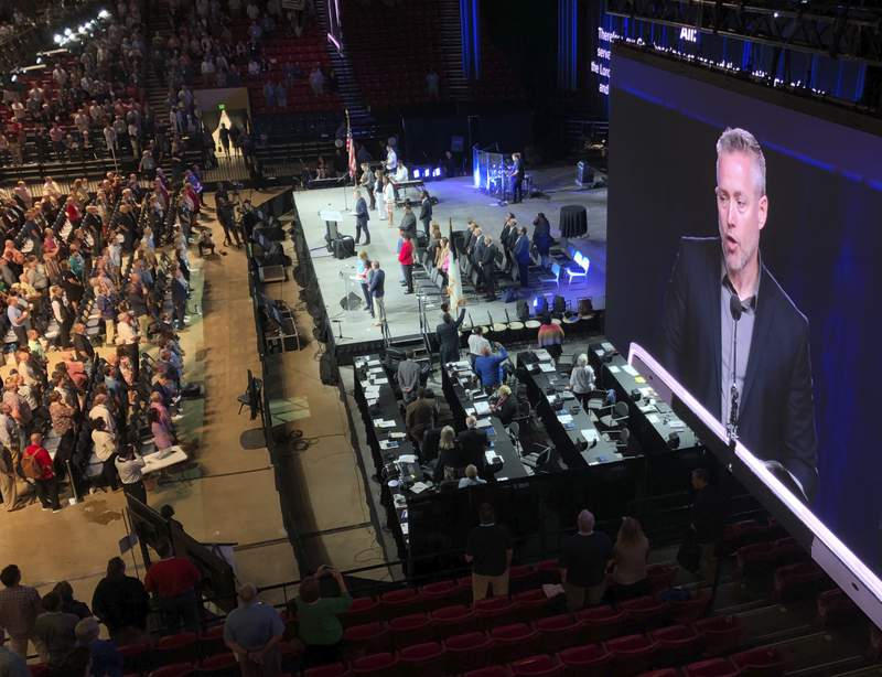 Southern Baptists meet amid controversy over leaked letters