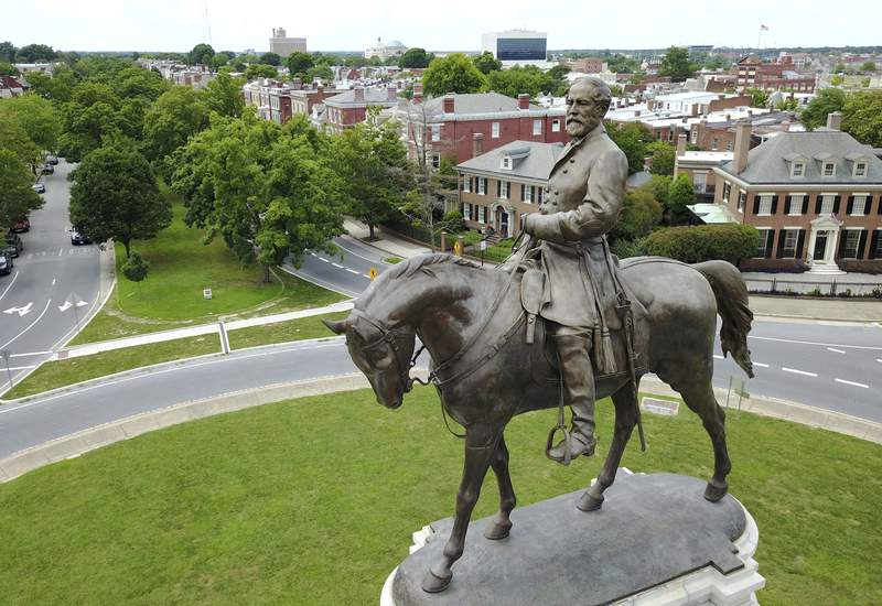 Virginia hopes to remove time capsule along with Lee statue