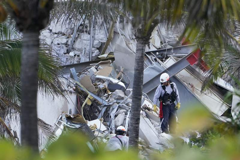 Rescuers focus on detecting sounds of survivors in rubble