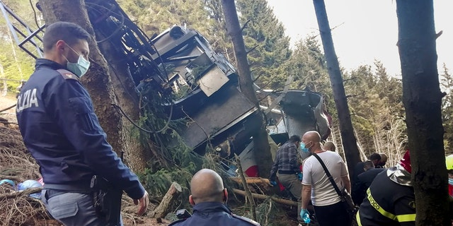 Horrifying videos show moment Italian cable car plunged to ground, killing 14
