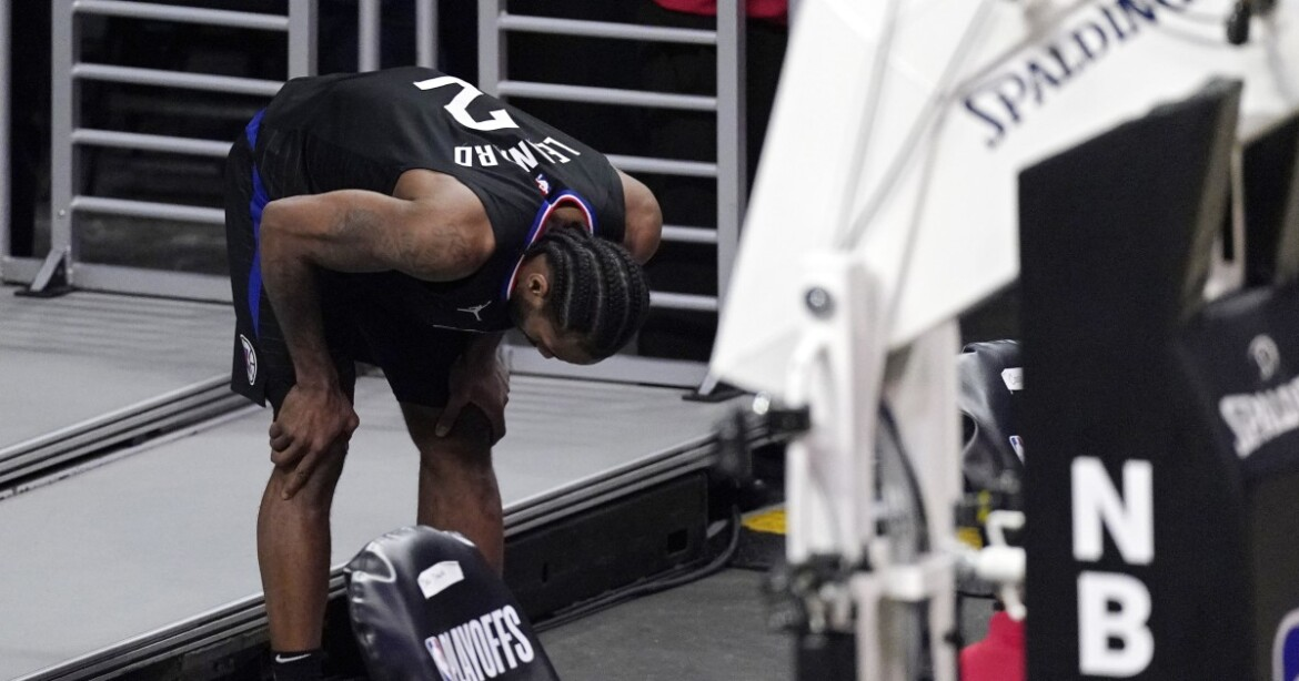 Reports: Kawhi Leonard could miss Game 5 and possibly more with knee injury