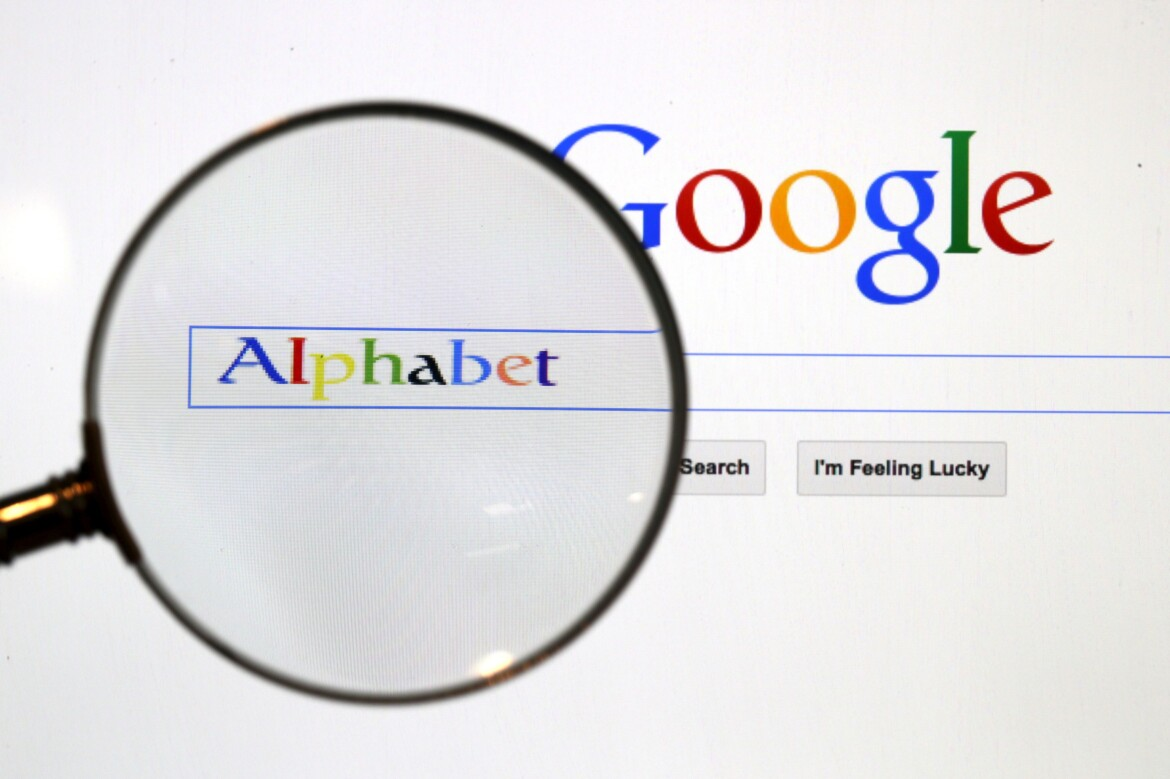 Google pledges to work with UK regulator in plan to remove browser cookies