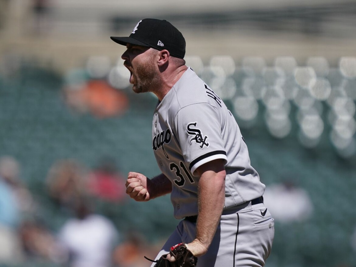 White Sox bullpen 'not performing to our standards,' Hendriks says