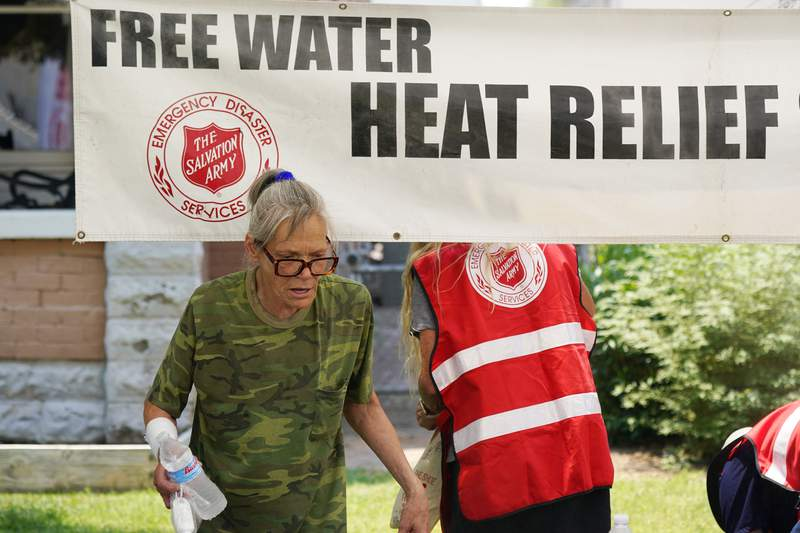 US West swelters in record-busting heat, risking wildfires