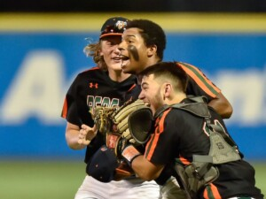 Plainfield East beats Lake Park to win the Class 4A state baseball title, its first championship in any sport