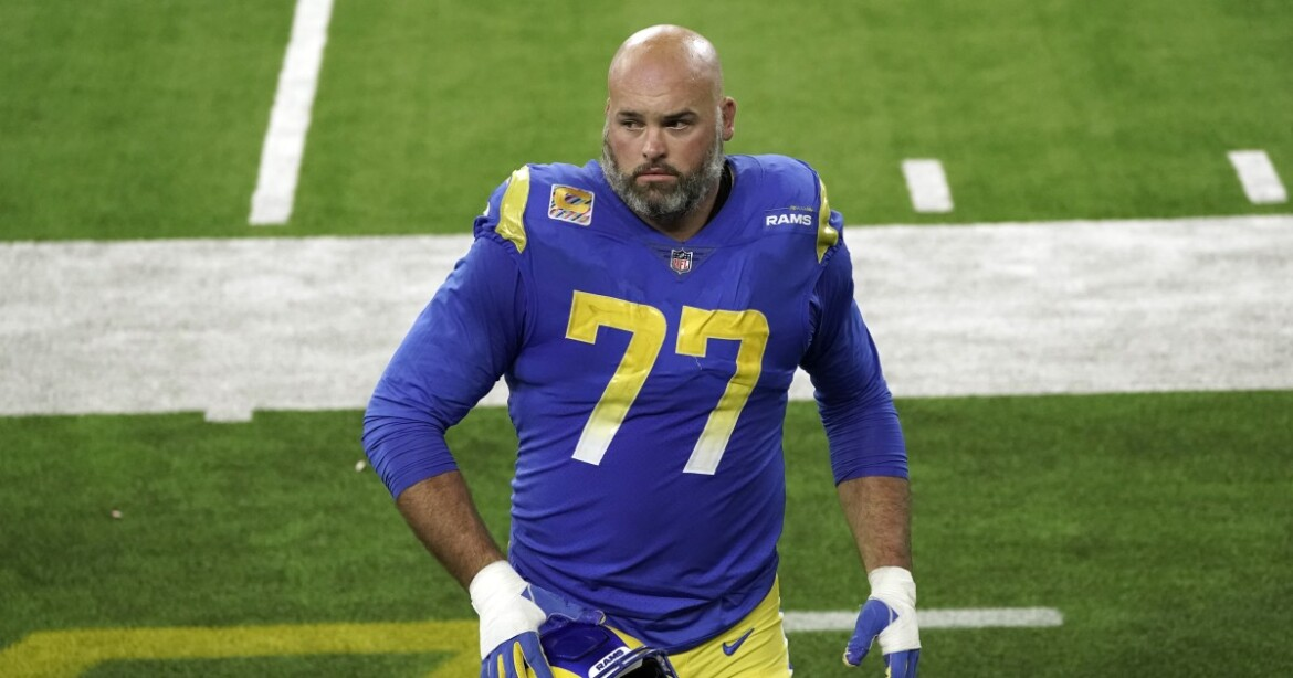 Andrew Whitworth brought offseason training home for Rams offensive linemen