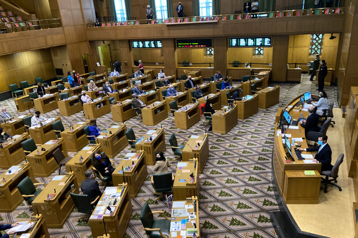 Showing D.C. How It's Done: Oregon Boots Lawmaker Who Aided State Capitol Incursion