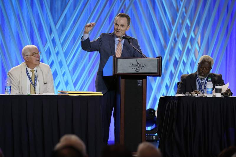 Southern Baptists open annual meeting amid push from right