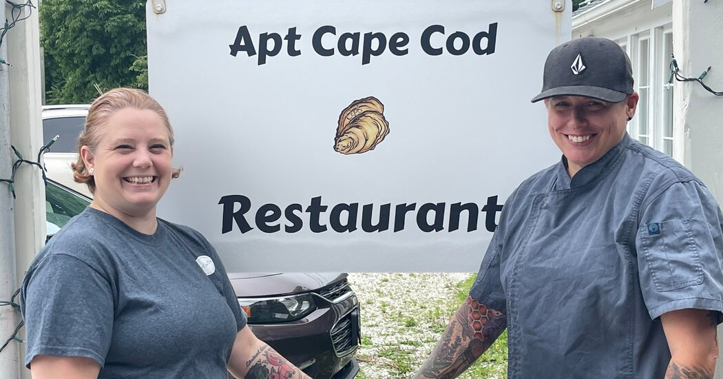Restaurant Shuts Down for a Day After Customers Made Staff Cry