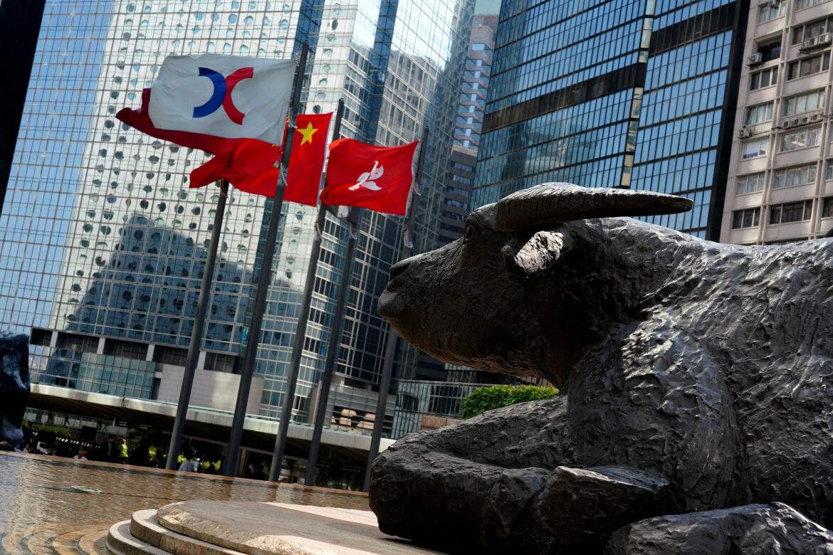 Chinese stocks extend losses on renewed crackdown from Beijing