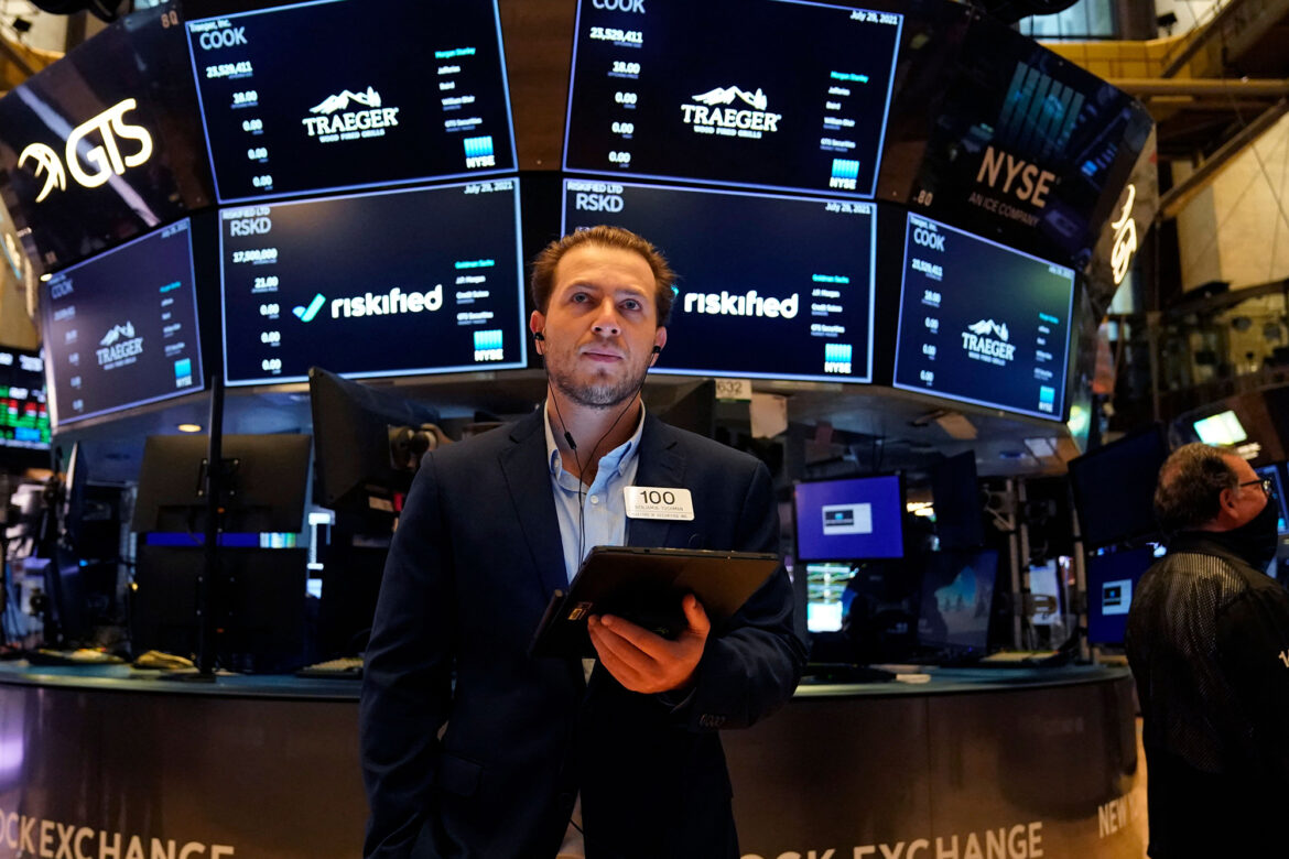 Stocks slip on Amazon drop, but remain on track for 6th monthly gain