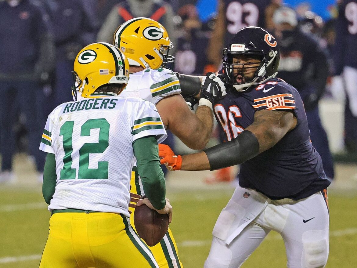 Akiem Hicks expected to return from sore foot
