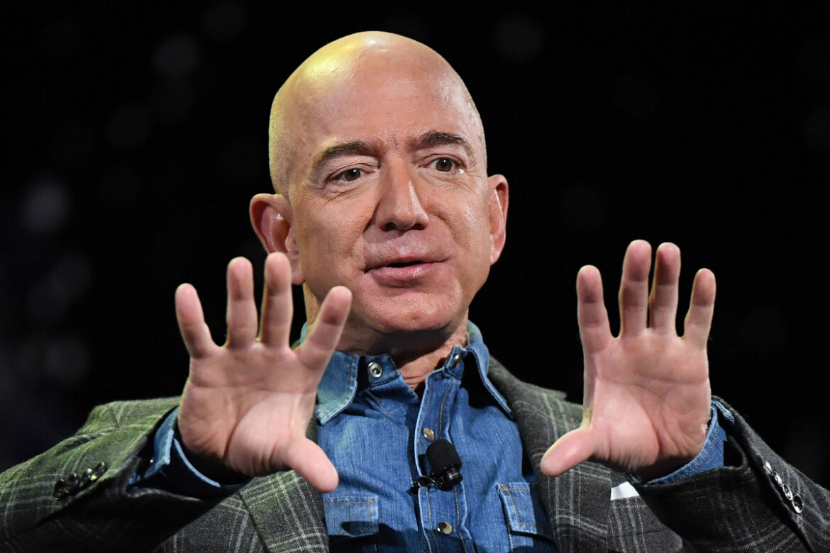 Jeff Bezos openly embraces tax hikes, but Amazon lobbied against them