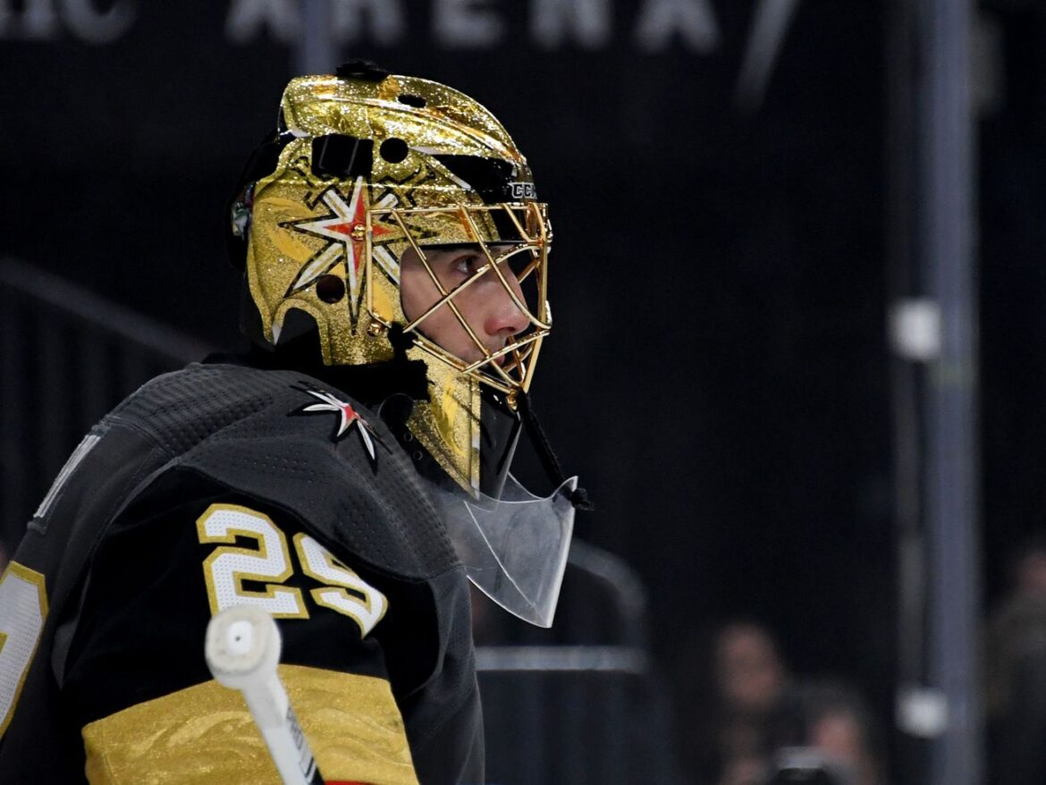 Blackhawks acquire Marc-Andre Fleury from Golden Knights: report