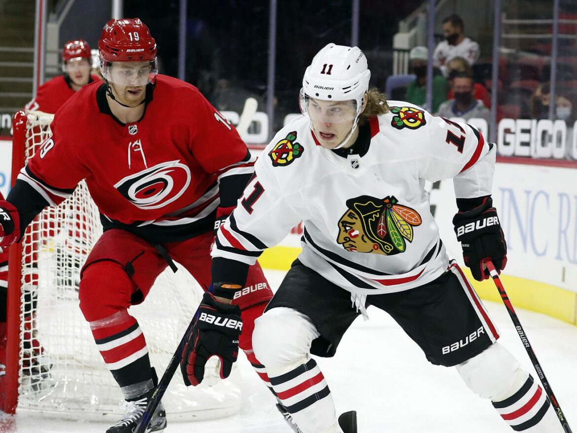 Blackhawks re-sign Adam Gaudette, give qualifying offers to 3 others