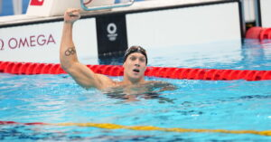 Caeleb Dressel of the U.S. and Emma McKeon of Australia sprint to gold in swimming's finale.