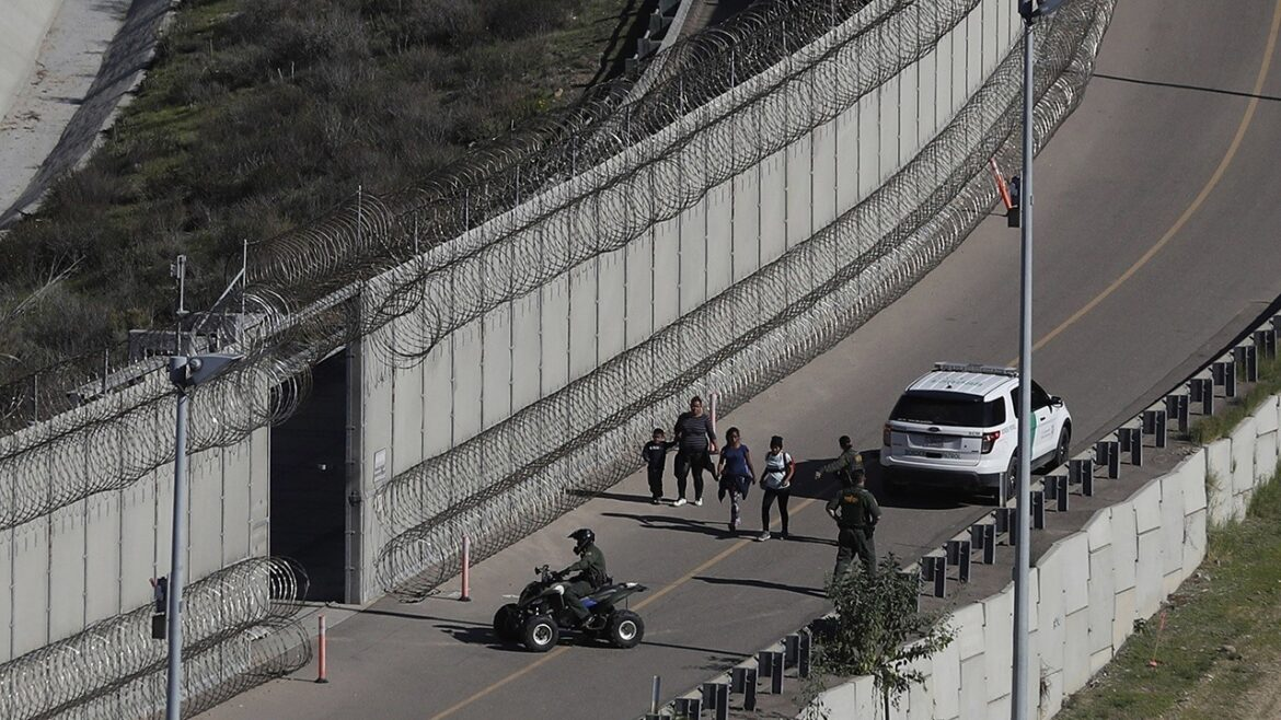 DHS ends contracts for 31 miles of Texas border wall construction in Laredo Sector