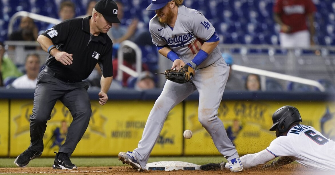 Wild finish dooms Dodgers in another sloppy loss at Miami