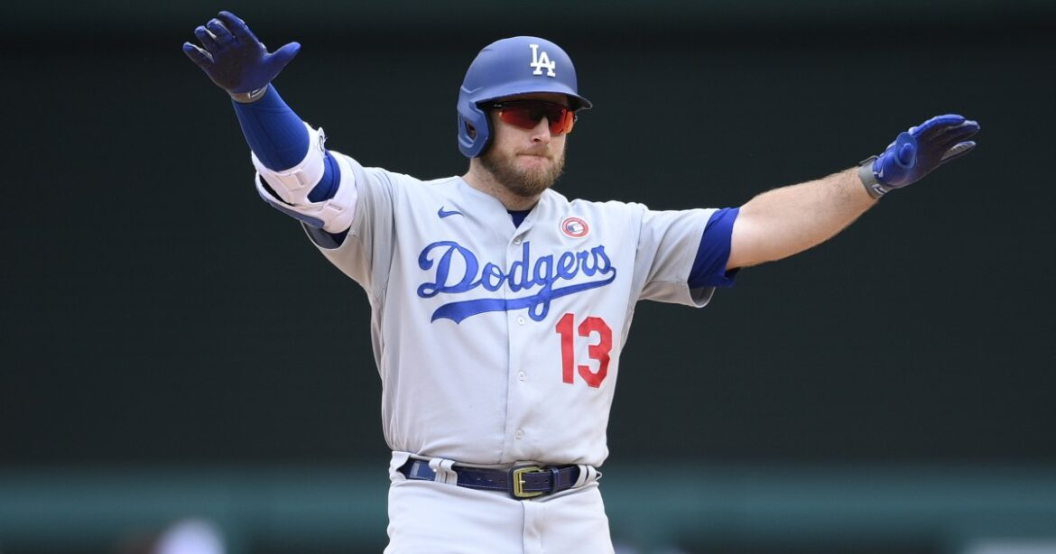 Dodgers Dugout: Comparing the Dodgers and Giants