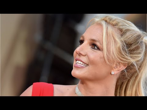 """Britney Spears Slams Those """"Closest"""" to Her Amid Conservatorship Battle"""