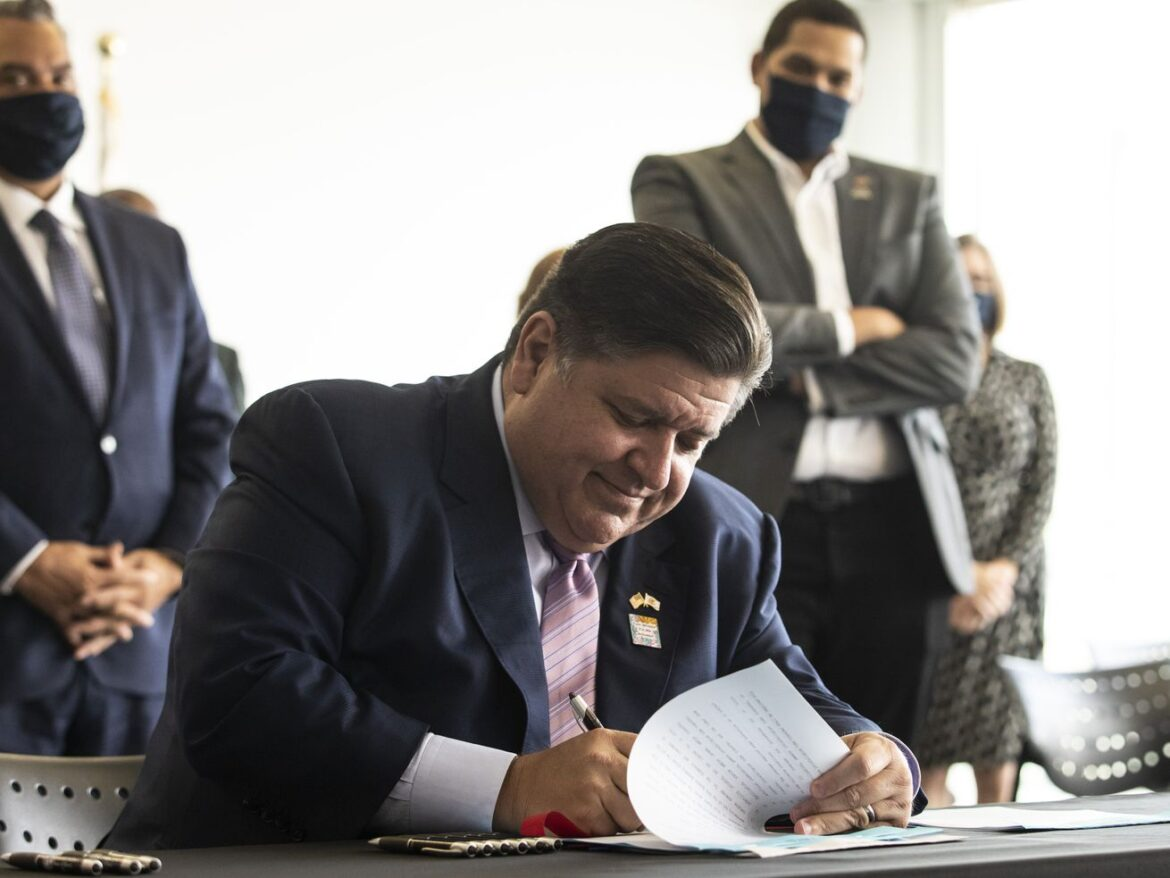 Infertility treatment coverage expanded for LGBTQ community under bills Pritzker signs to 'chart a new path forward'