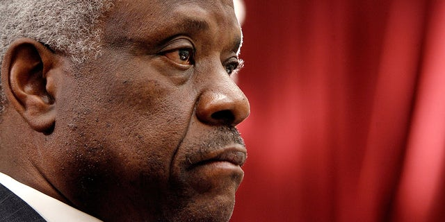 Clarence Thomas rejects appeal to halt federal mask mandate on public transportation