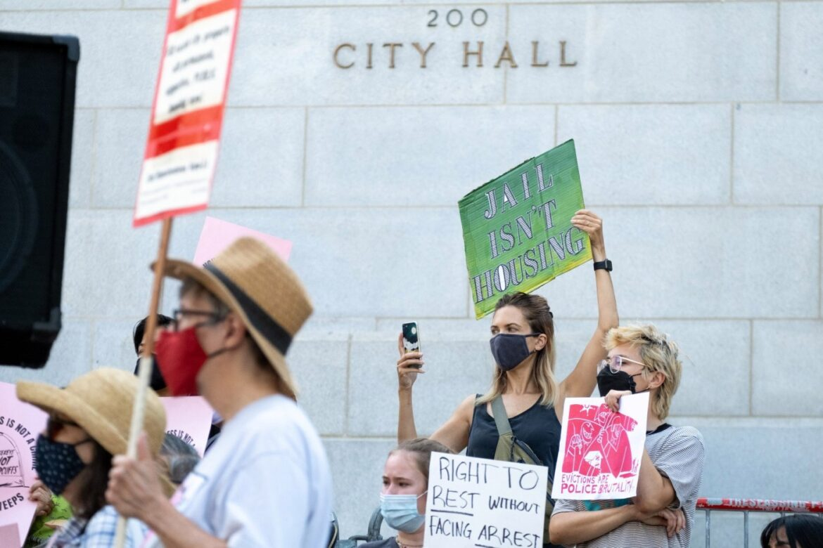 Anti-camping law gets final LA City Council approval; could spur more homeless-encampment clearings