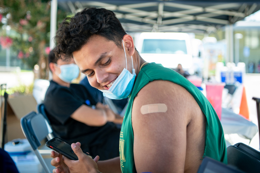 LA County posts 3,318 new COVID-19 infections, 11 deaths; vaccine access expanded on Sunday