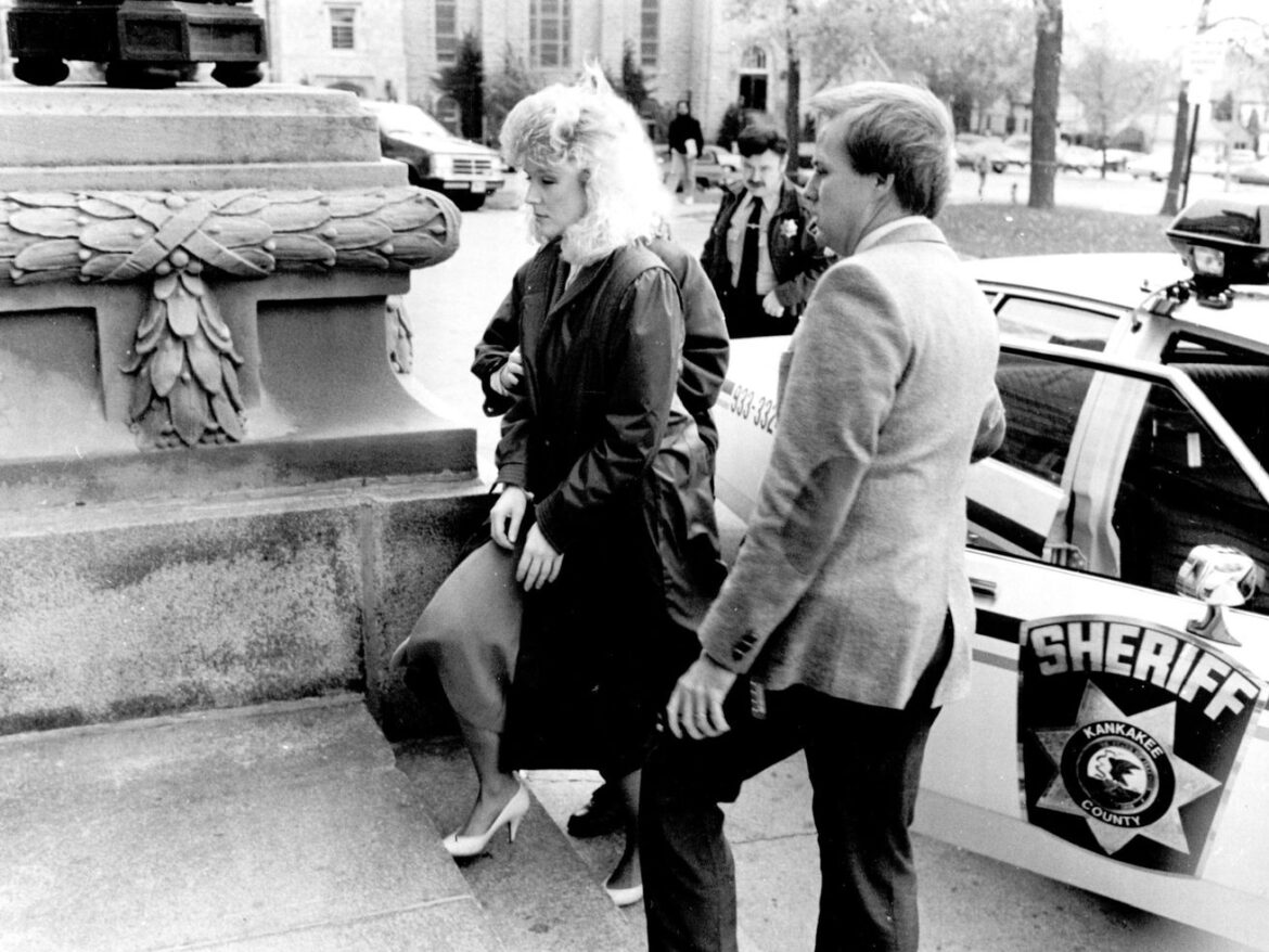 Woman serving life sentence for 1987 buried-alive killing of Kankakee media heir gets renewed chance at freedom