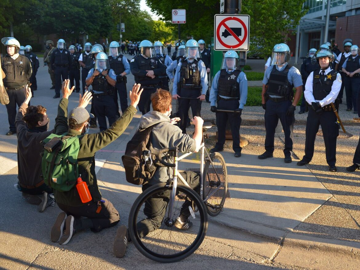 Report details chaos of police response to protests, looting last summer