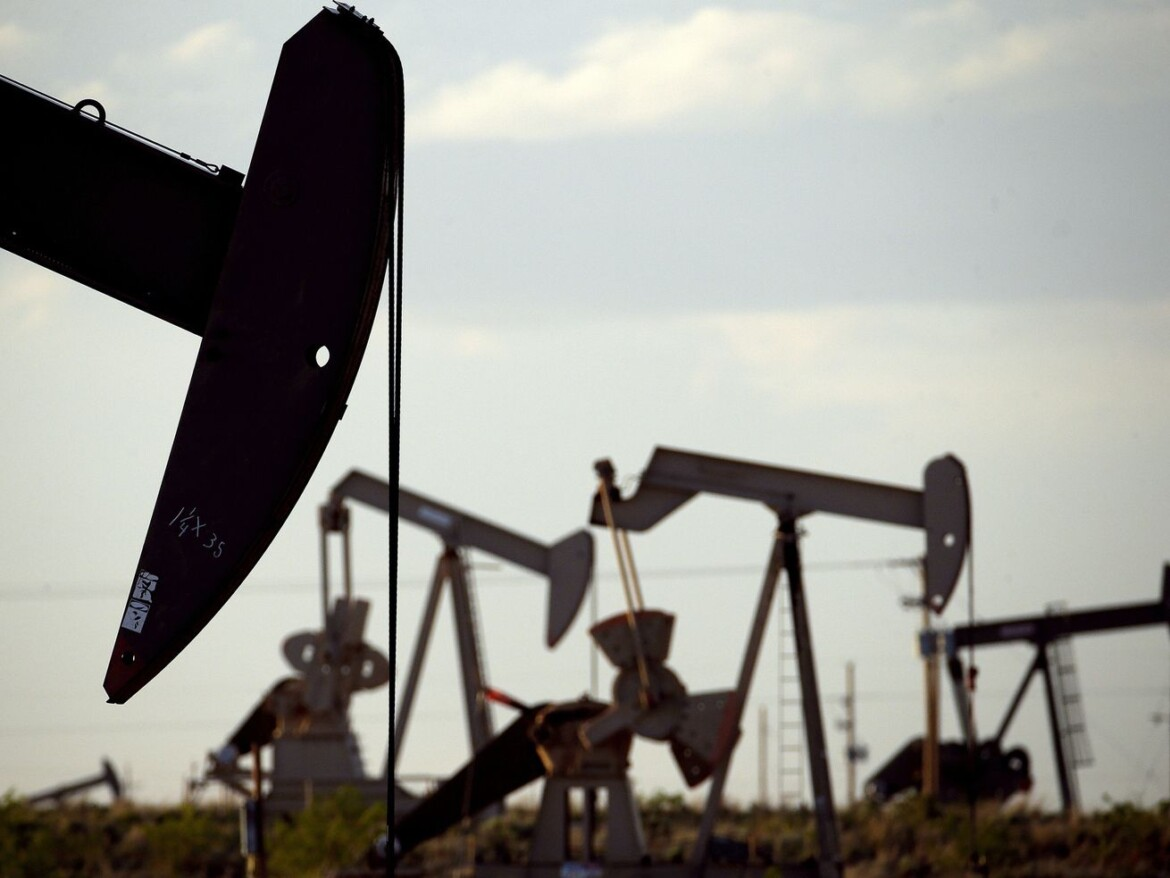 Despite climate pledge, federal drilling approvals have increased during Biden presidency