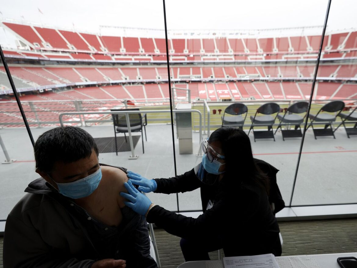 NFL doc: 80% of players have at least 1 vaccine shot