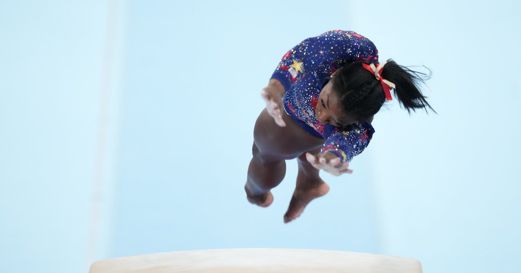Simone Biles Leads in Vault After Her Turn Without Double Pike