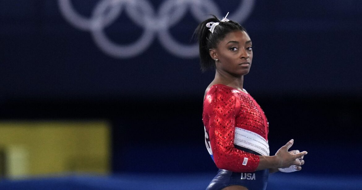 Simone Biles withdraws from vault and uneven bars at Tokyo Olympics