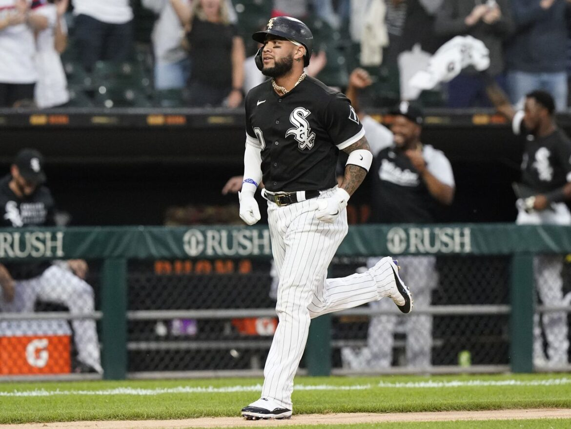 Sox knocked down, get back up in win over Cleveland