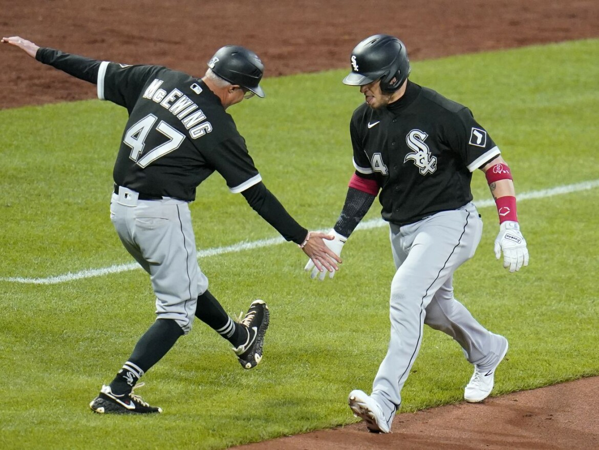Doing the wave: Joe McEwing on point in White Sox' third-base coaching box
