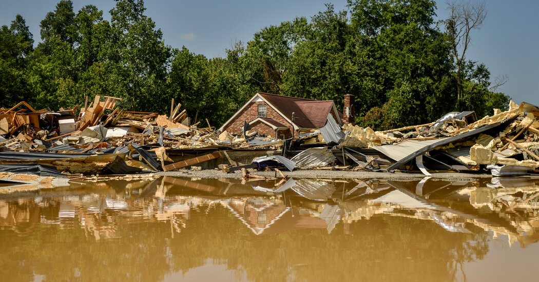 As Search for Tennessee Flood Victims Ends, a Community Grieves