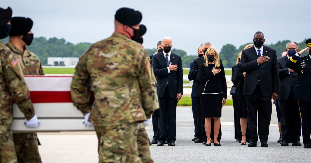 Biden Receives Bodies of Soldiers Killed in Kabul Bombing