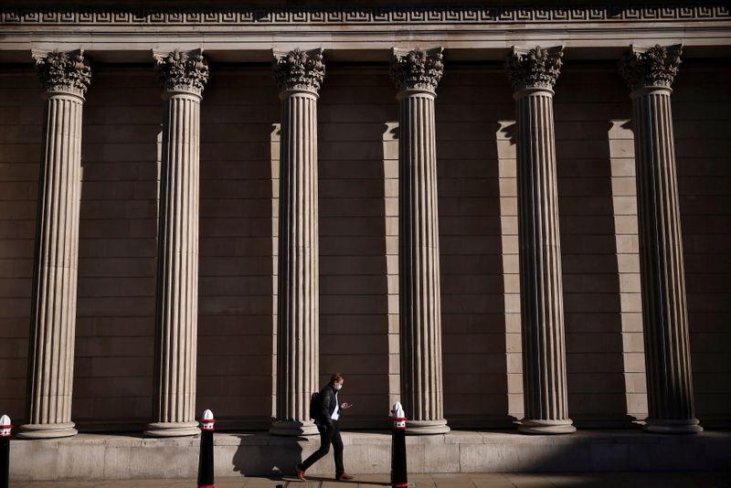 Bank of England sets out plans to wean UK economy off stimulus
